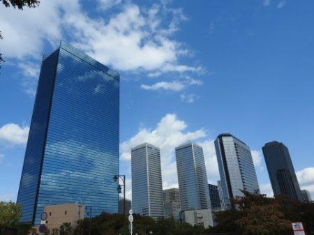 大手企業の高層ビル